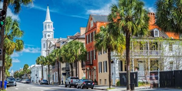 streets of charleston in the sunshine